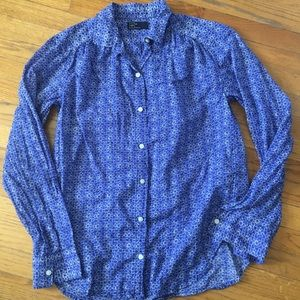 Gap white and blue lightweight button blouse